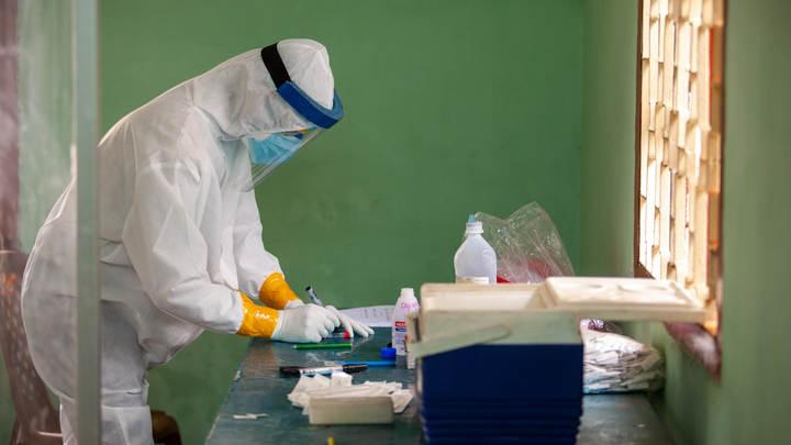 Жару не любит, но…: Роспотребнадзор объяснил, какой температуры боится коронавирус