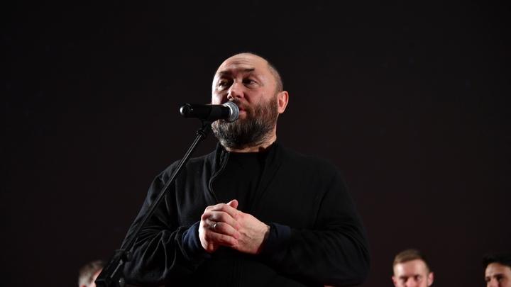 Эти вопросы задают уже пять лет: Режиссер Бекмамбетов разочаровался в Дуде после интервью