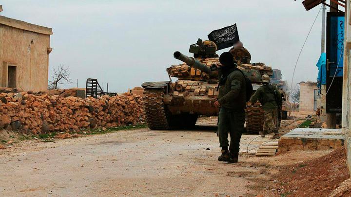 Террористы ИГ украли химическое оружие у прозападных боевиков в Сирии - Минобороны РФ