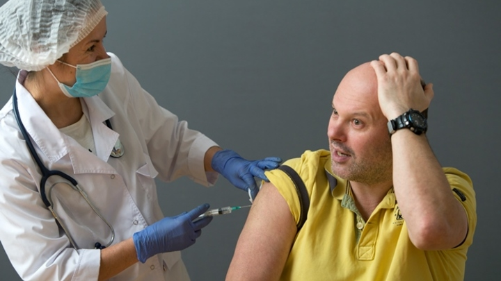 В минздраве Кузбасса рассказали о последствиях вакцинации против COVID-19
