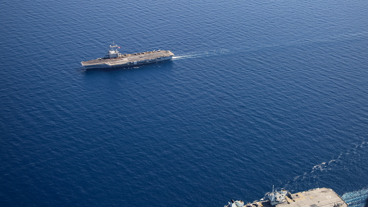 В Чёрном море замечены боевые корабли НАТО: На всех надеты памперсы