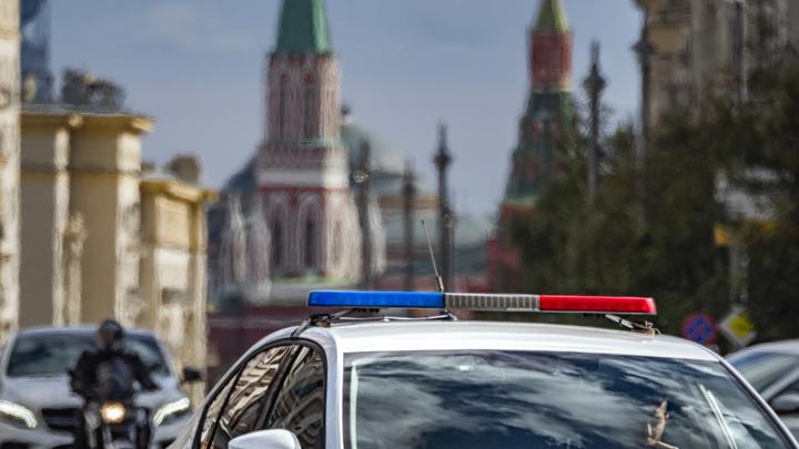 Митинг КПРФ на Пушкинской площади встречают полиция и спецмашины