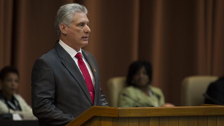 Громоздкое и окаменелое: Кубинский лидер сравнил эмбарго США с динозавром