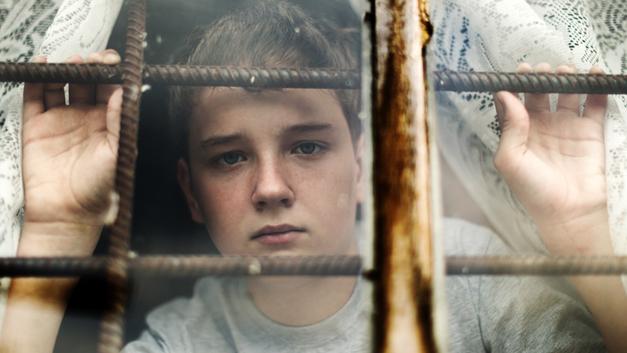 Маньяки, трудные подростки и невинно осуждённые: Почему из тюрьмы нельзя отпускать «в никуда»