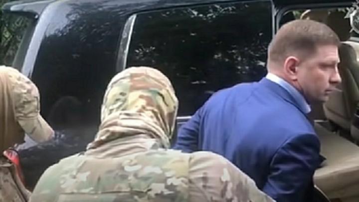 Тайные встречи губернатора: Фургал предлагал преступнику бежать из России - СМИ