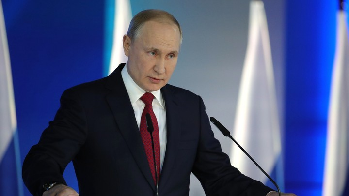 Нет выше чести, чем носить русский мундир: Путин поздравил граждан России с Днём защитника Отечества