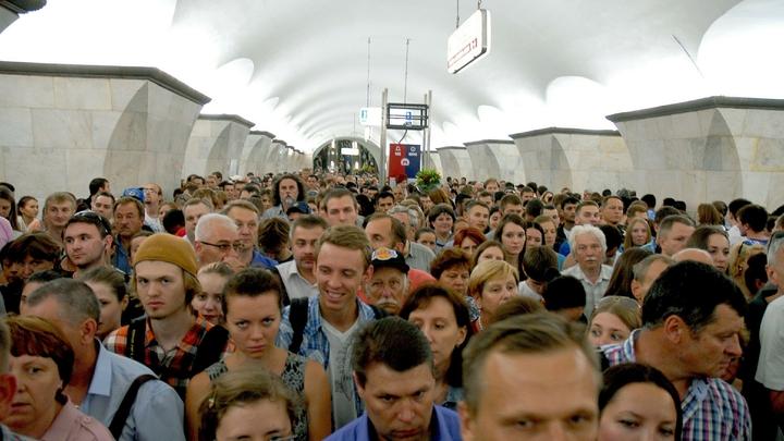 В тесноте и обиде: Сбой в московском метро запер людей в вагонах