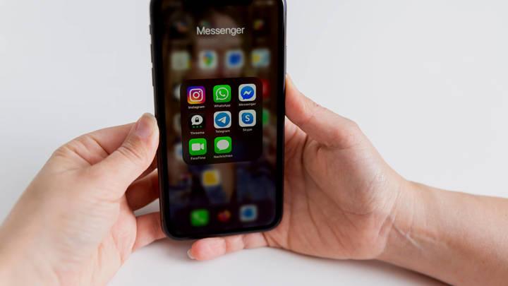 Мечтающими о новом смартфоне легче управлять: Кто делает из нас биороботов?