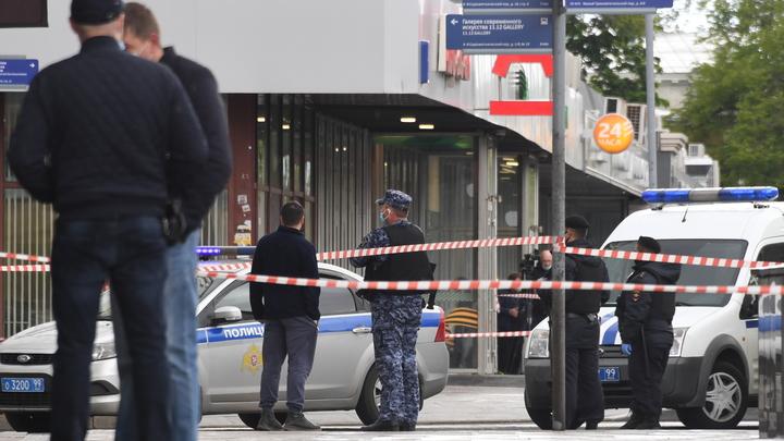 Дерзкое ограбление инкассаторов в Красноярске: Грабители едва утащили сумку с миллионами