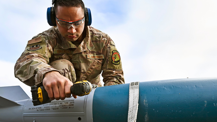 Военкор об учениях Sea Breeze на Украине: США используют вас