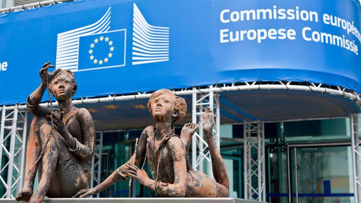 Евросоюз определился с подходом к вакцинации: обзор ключевых решений