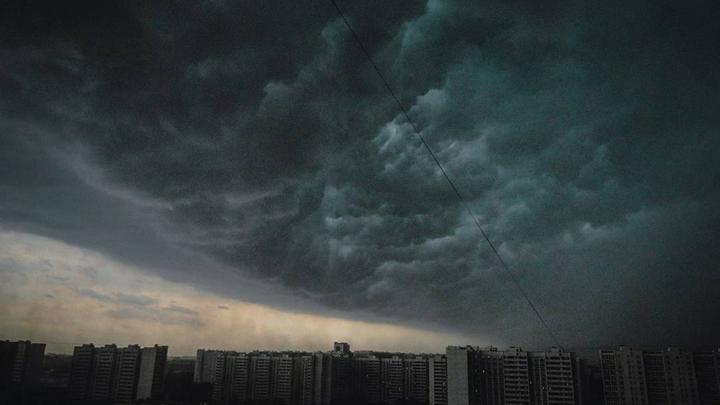 В Красноярске после ливня еще действуетрежим чрезвычайной ситуации
