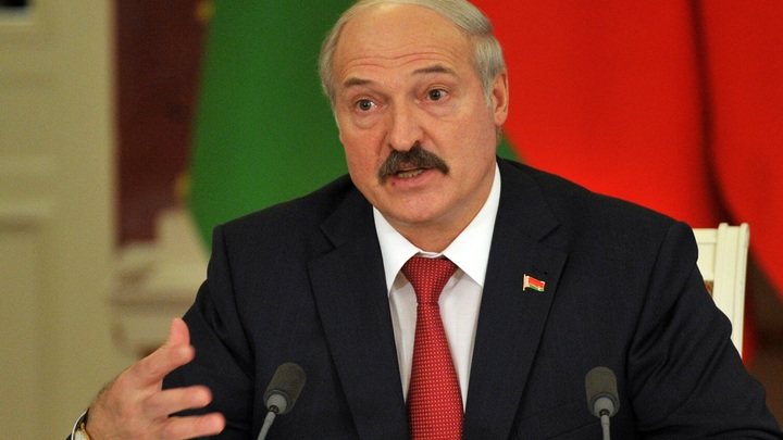 Презрительно и брезгливо относится к России: Политолог об истерике Лукашенко из-за углеводородов