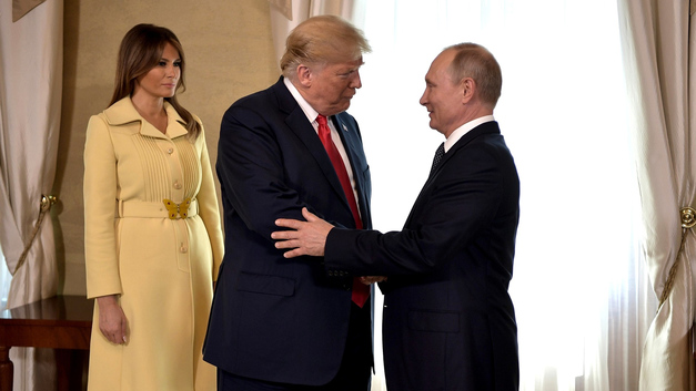 Зрители нашли объяснение встречи Трампа и Путина в гримасе ужаса Меланьи