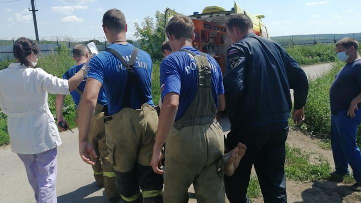 В Павловском районе спасли от гибели в канализации двух мужчин