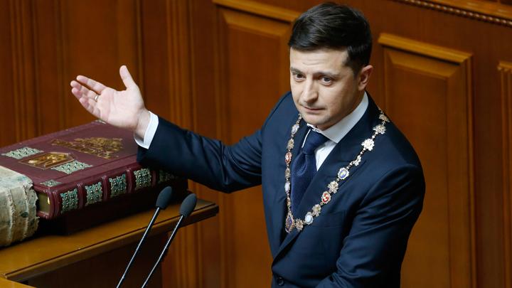 «Какой гибкий мальчик!»: В Сети припомнили Зеленскому высказывания о жителях Донбасса
