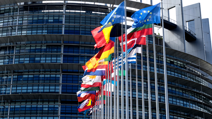 Русские олигархи в Австрии, или как в Брюсселе готовятся к выборам в Европарламент
