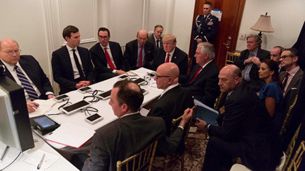 Белый дом отретушировал фотографию совещания у Трампа после удара по Сирии