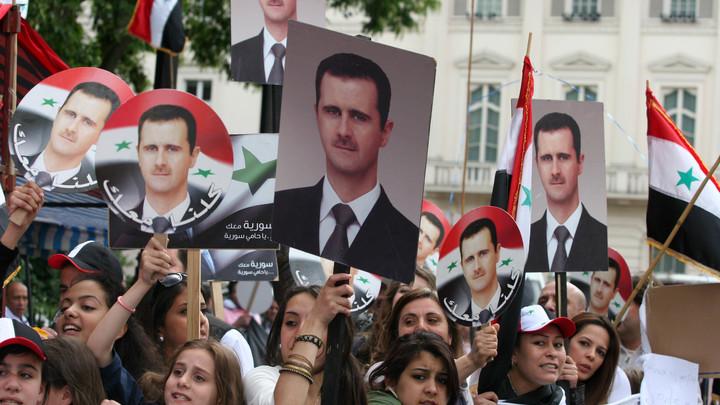 На попятную: Париж не будет требовать ухода Асада для переходного процесса в Сирии