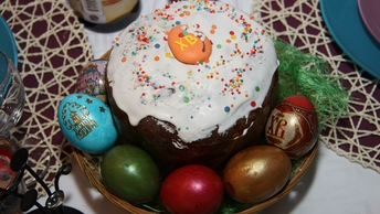 Пасха для занятых людей: Как выбрать в магазине кулич, яйца и творог для праздника