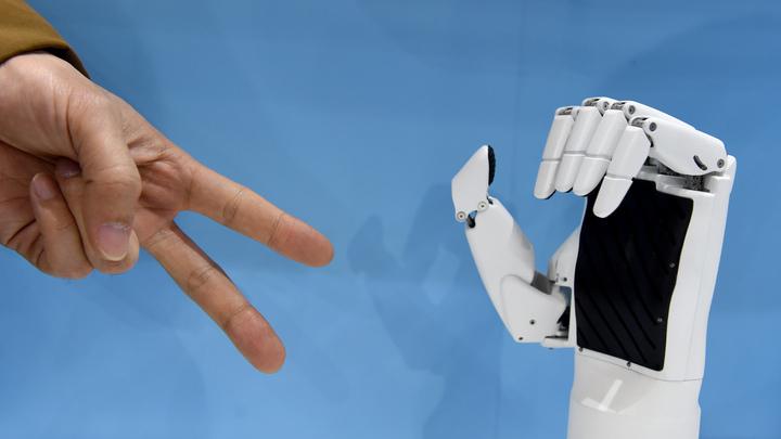 Британские СМИ начали печатать статьи робота-журналиста