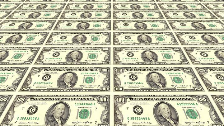 «Зачем нам доллар, если США ведут себя невменяемо?»: Эксперт о реакции бизнеса на санкции Вашингтона