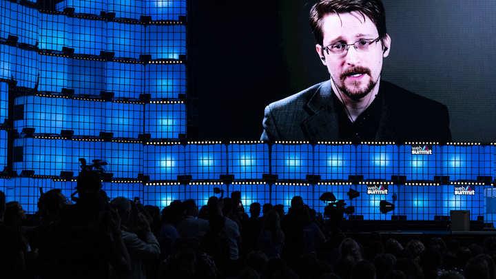 Сноуден стал обладателем важного российского документа: Ответ получен