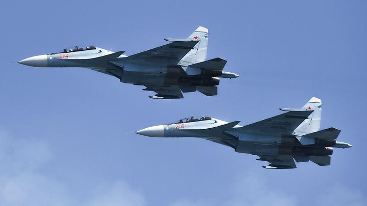 Российские истребители защищают Китай: Американцы удивлены и напуганы