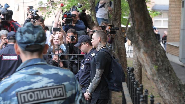 Представитель МВД уточнил: Нельзя за границу только некоторым полицейским