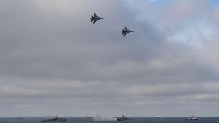 Чего по одному ходят?: Вошедший в Чёрное море итальянский фрегат родил новый анекдот