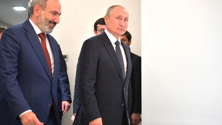 Тем, кто топтал флаги: Кедми окоротил армянских русофобов
