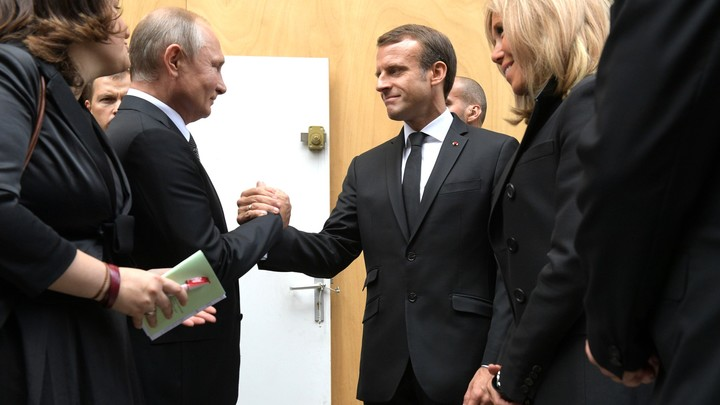 Обсудили Карабах и терроризм: Макрон позвонил Путину