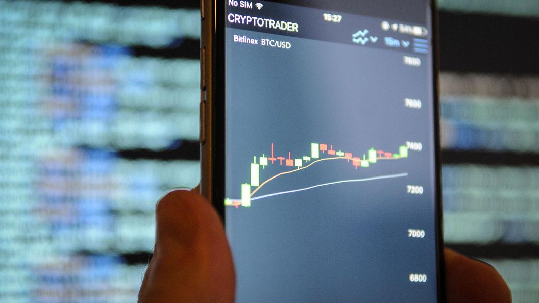 Старый флагман Apple дает течь В России рухнули цены на iPhone 7