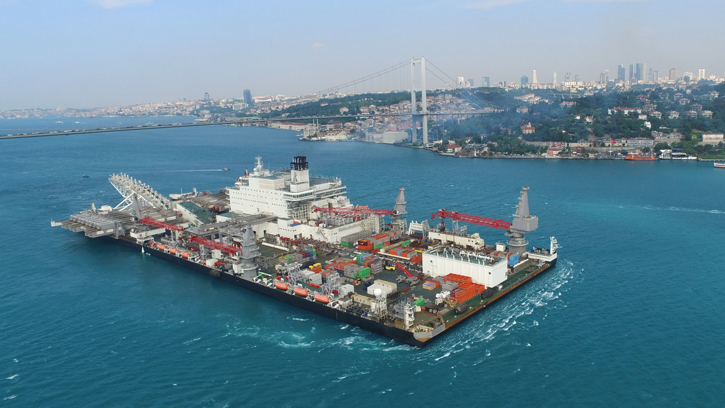 «Газпром» завершил строительство морской части первой нити «Турецкого потока»