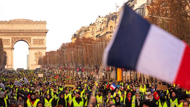 Во Франции не нашли «руки Кремля» в протестах «желтых жилетов»