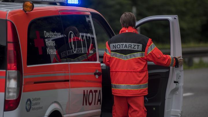 Автомобиль протаранил толпу зрителей на карнавале в Германии