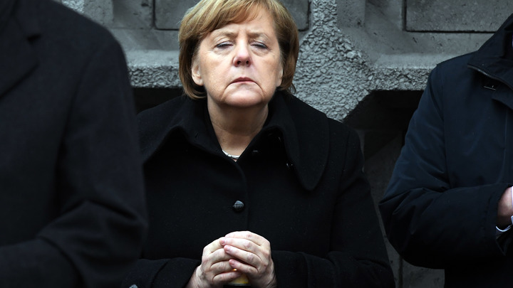 Революция не за горами: Больше половины жителей Германии ненавидят канцлера Меркель