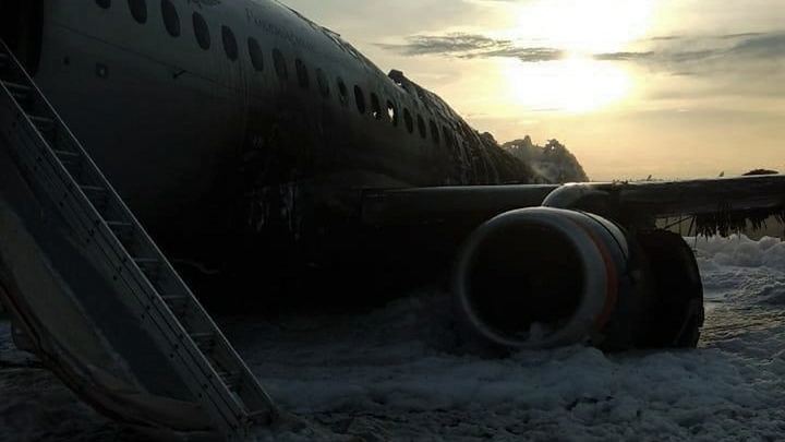 Ошибка пилота: SSJ-100 мог спокойно летать до выработки топлива, у людей был шанс - источник