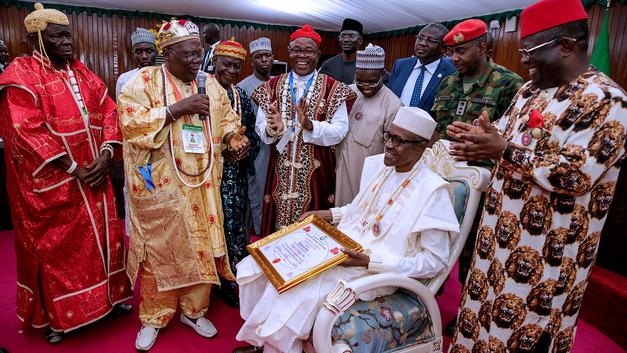 Президент Нигерии одобрил закупку оружия на миллиард долларов