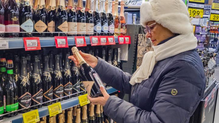 Какое шампанское стоит покупать к новогоднему столу