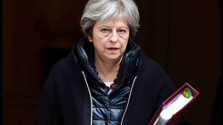 У нас там свои интересы: Тереза Мэй призналась, зачем Британия напала на Сирию