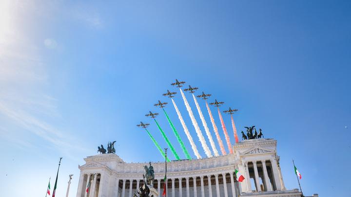 Однополых браков быть не может: Новый министр Италии по делам семьи даст бой мужеложцам
