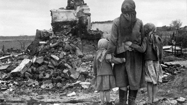 Украинцы забрасывали цветами и плакали от радости, встречая красноармейцев - документы Минобороны