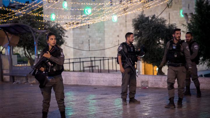 В результате нападения стрелков на полицию в Израиле пострадали трое