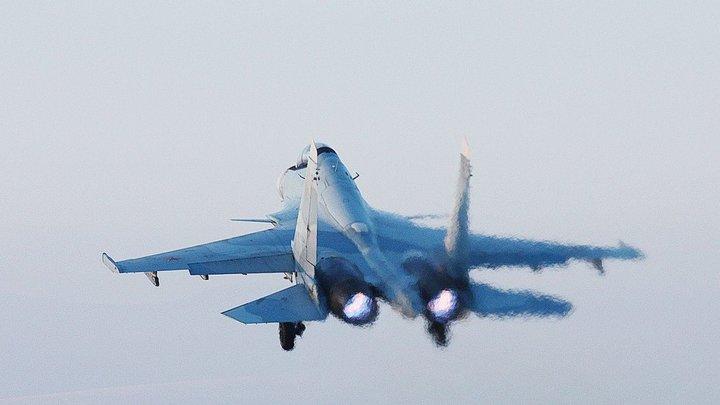 Перехват над Чёрным морем: Су-27П и Су-30СМ отогнали бомбардировщики США от границ России