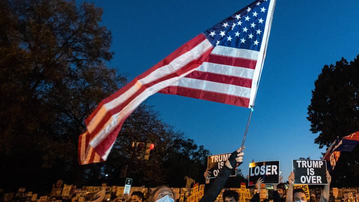 Пенсильвания сдалась Байдену после чудесного совпадения: Последние итоги выборов президента США