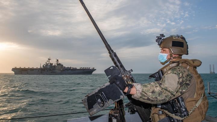 Обстановка обостряется. 13 боевых кораблей НАТО подошли к российским границам
