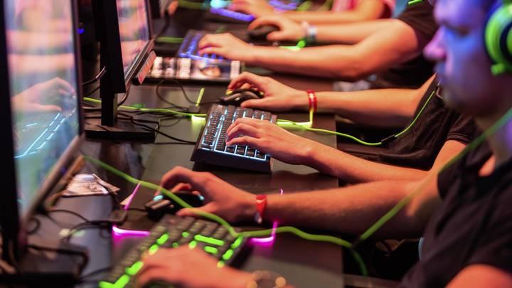 Российский программист частично признал себя виновным в хакерстве в США