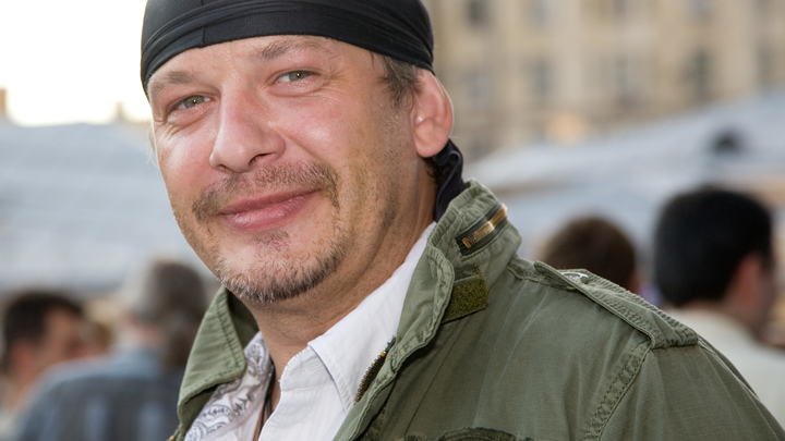 Жена и любовница актера Марьянова делят его в шоу даже после смерти