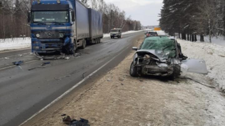 В Новосибирской области в результате ДТП погибли два человека